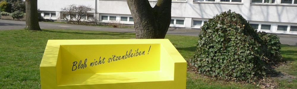 slider_gsm_aussen_yellowsofa